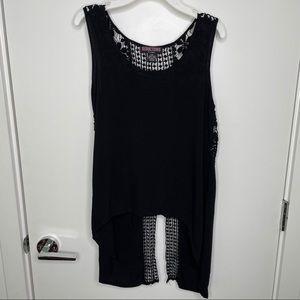 🐾free w/purchase🐾 mermaid flowy black blouse